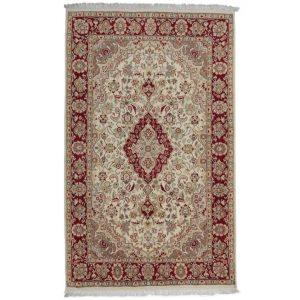Persian carpet Isfahan 139 X 227 Living room carpet / Bedroom carpet